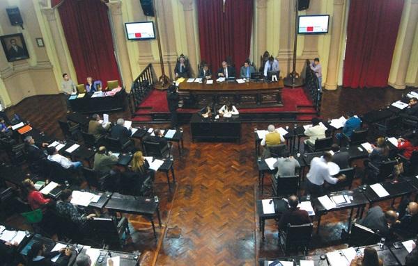 Seis diputados se opusieron a la ley de ministerios for Ley de ministerios
