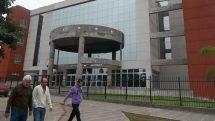 Fachada de la Ciudad Judicial de Metán, donde se investiga la denuncia por violencia de género contra el subcomisario